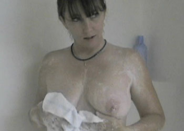 Curvy MILF Brooke plays in the shower