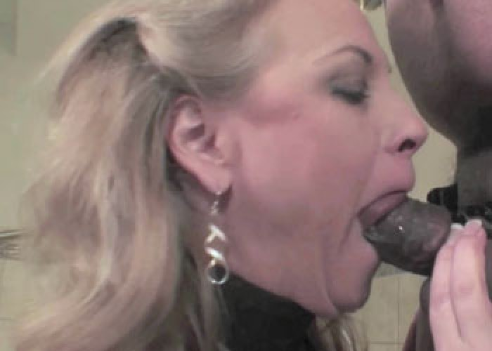 Mature blonde Summer's kinky blowjob