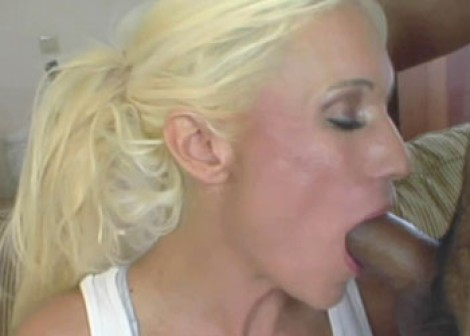 Fitness slut Ashley fucks a stranger