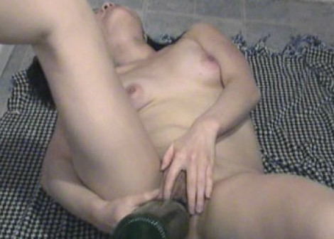 Colette fucks a big bottle